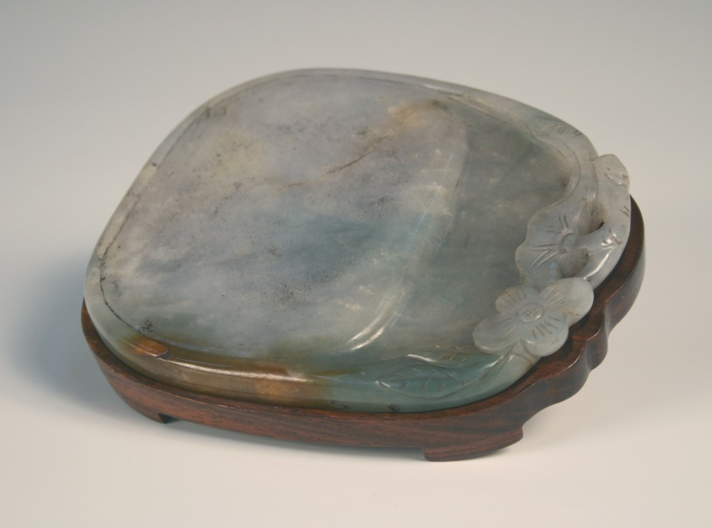 1119 A Chinese jade inkstone