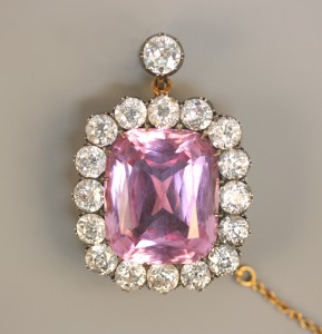A diamond and pink beryl brooch