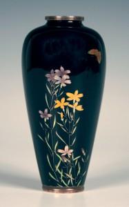 Japanese cloisonné vase by Namikawa Yasuyuki