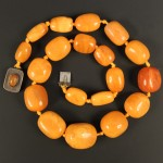 Amber bead necklace Lot 616 Jan14 Tooveys