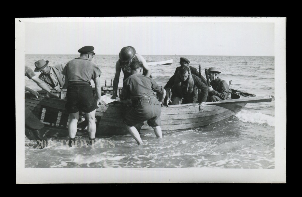Postcard of Sgt. Cyril F. Babbage returning to shore at Bognor Auction ©2015 Toovey's