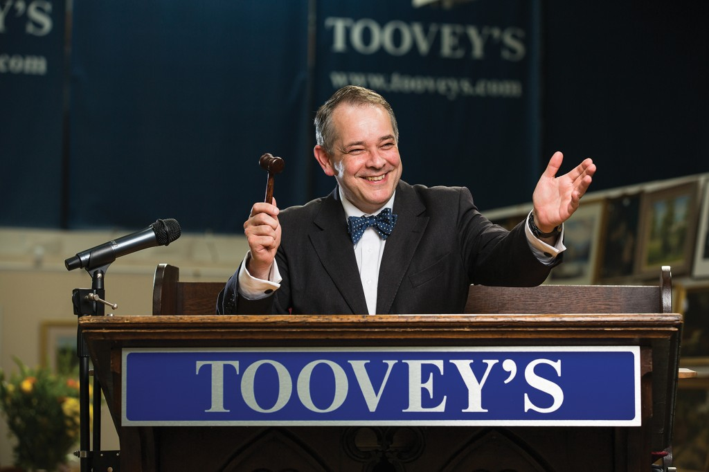 Rupert Toovey with gavel in hand ©Toby Phillips/Toovey's