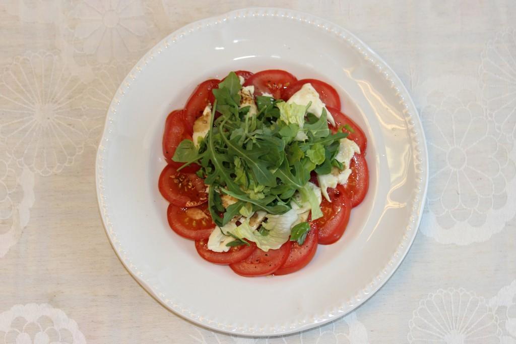 Mozzarella and Nutbourne tomato salad