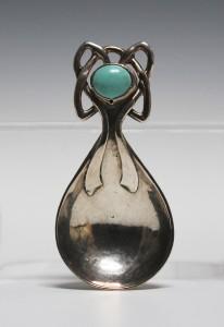 A Ramsden & Carr silver caddy spoon