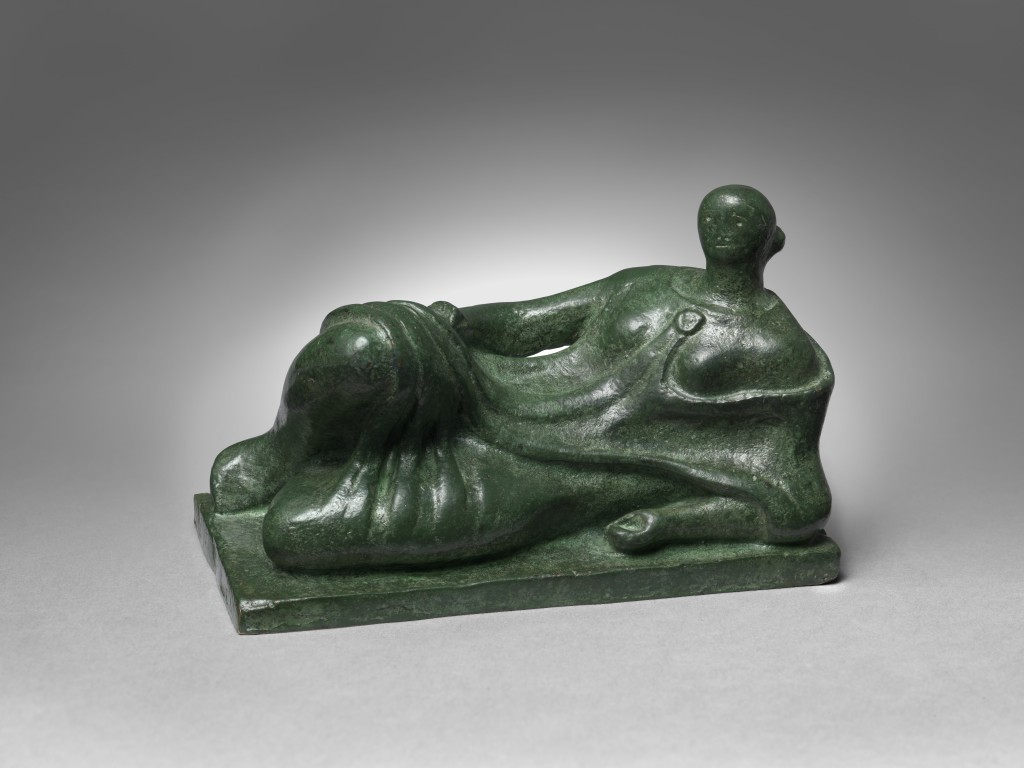Henry Moore, Reclining Figure, 1945 © Henry Moore Foundation